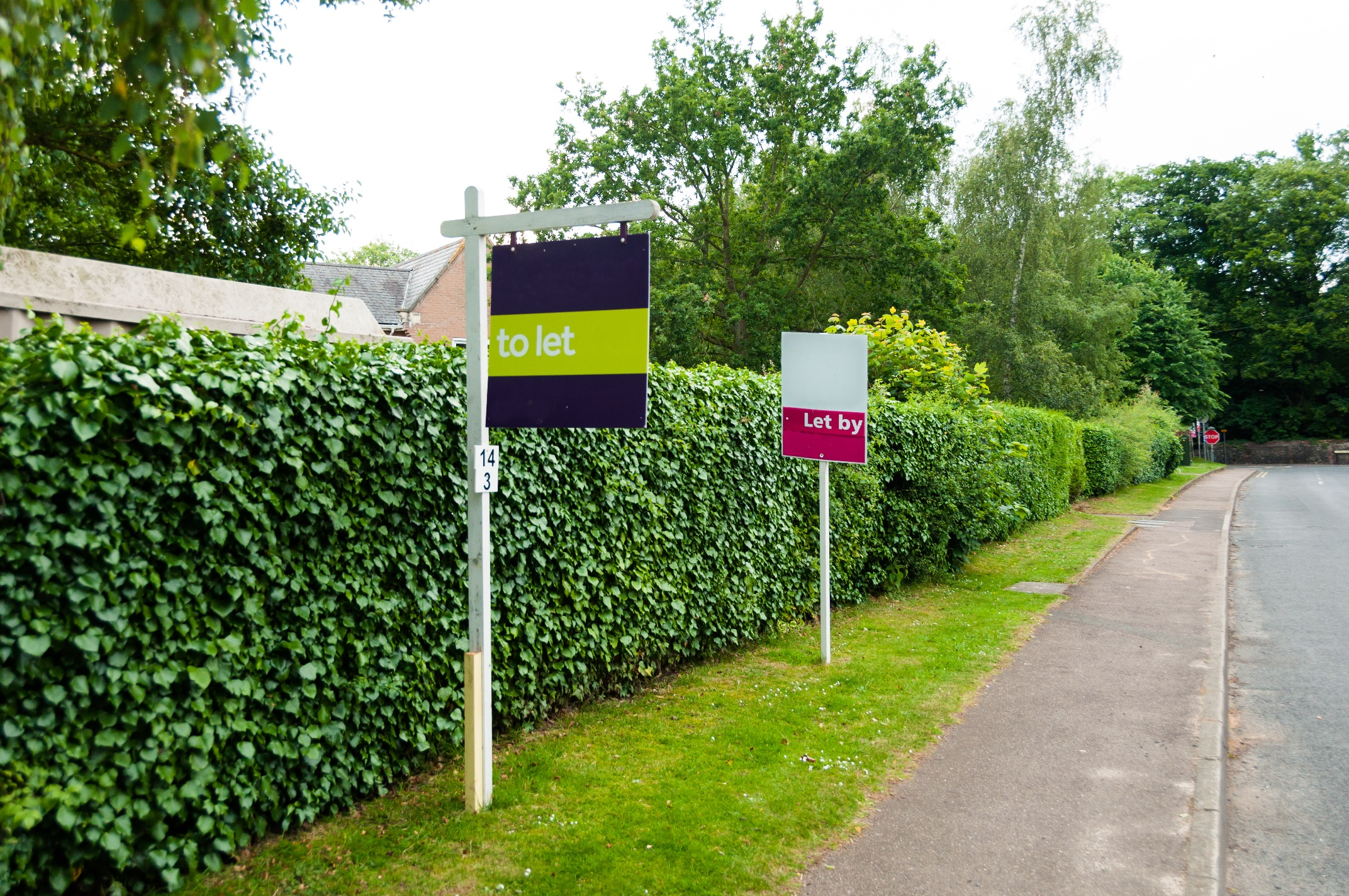 Estate agent sign To Let, in England, UK